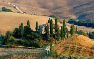 Tuscan decor for home comes from Tuscany in Italy